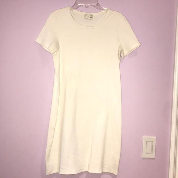 Aritzia Dresses & Skirts - CUTE SHORT WHITE COTTON DRESS